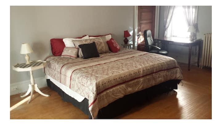 Elizabeth Room - BRIE House - Elizabethtown