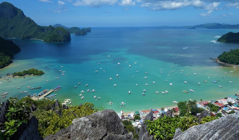 El Nido Flat in the heart of town. Near all. HEN1