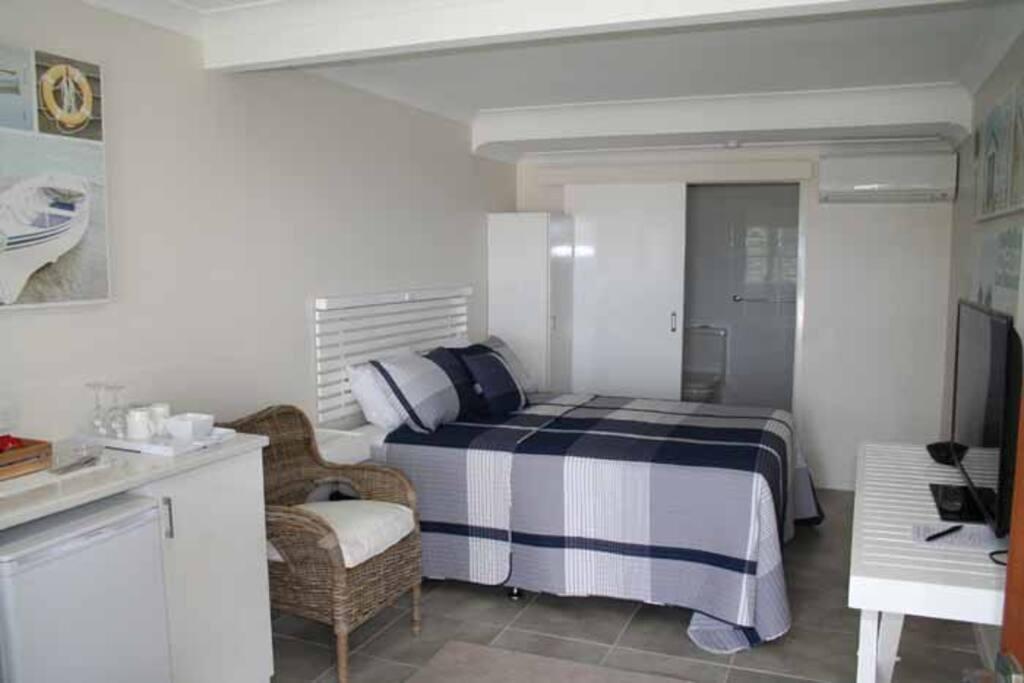 Modern ensuited guestroom.