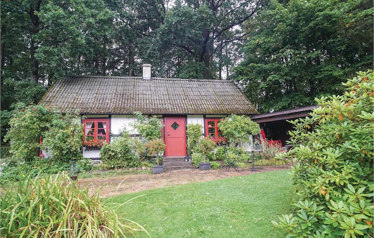 Holiday cottage with 1 bedroom on 50m² in Tomelilla