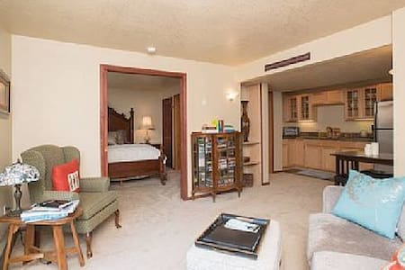 Wine Country 1 BR/1BA Suite Retreat - Gaston