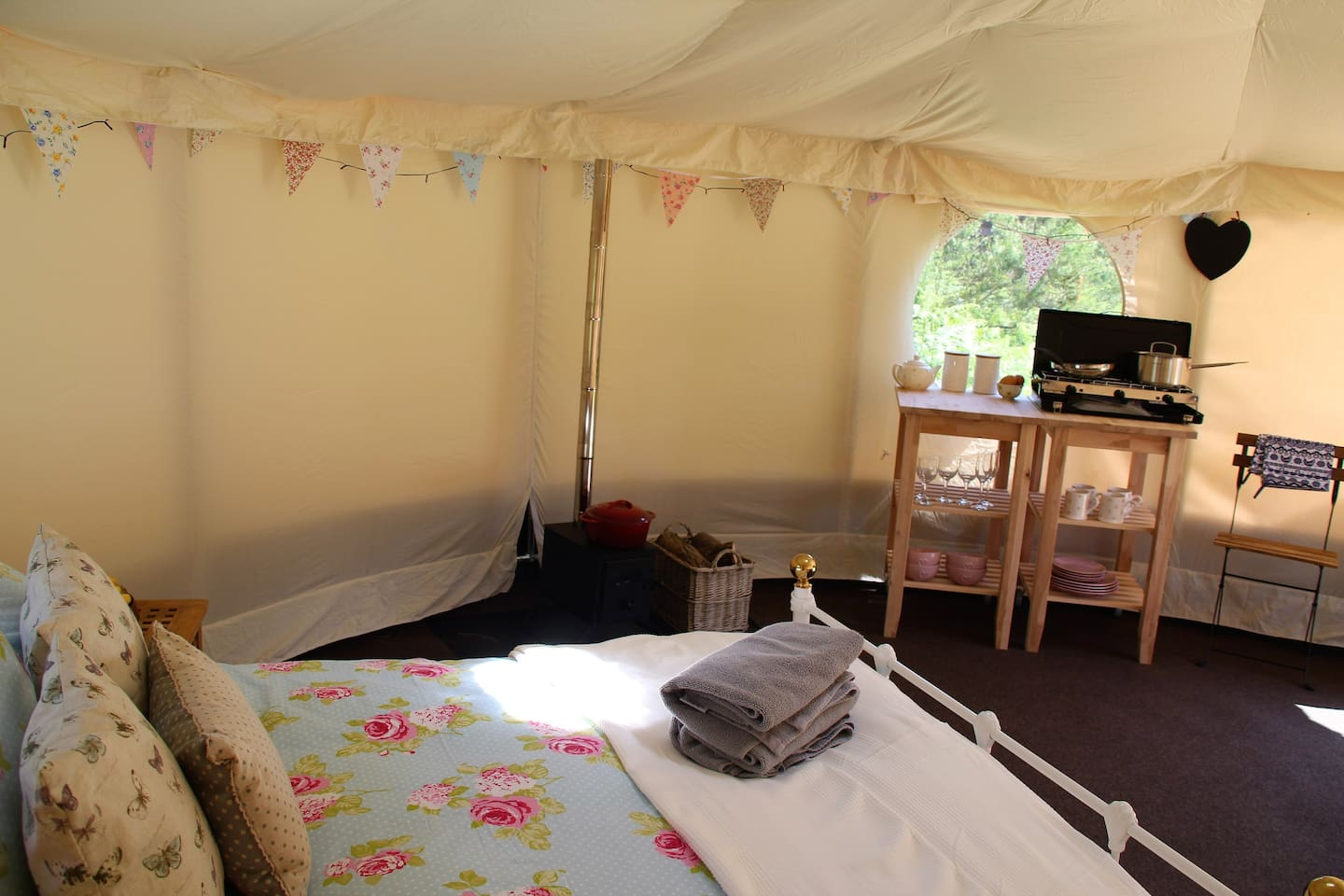 Please note the kitchen is no longer inside the Yurt but in an adjacate summer house.