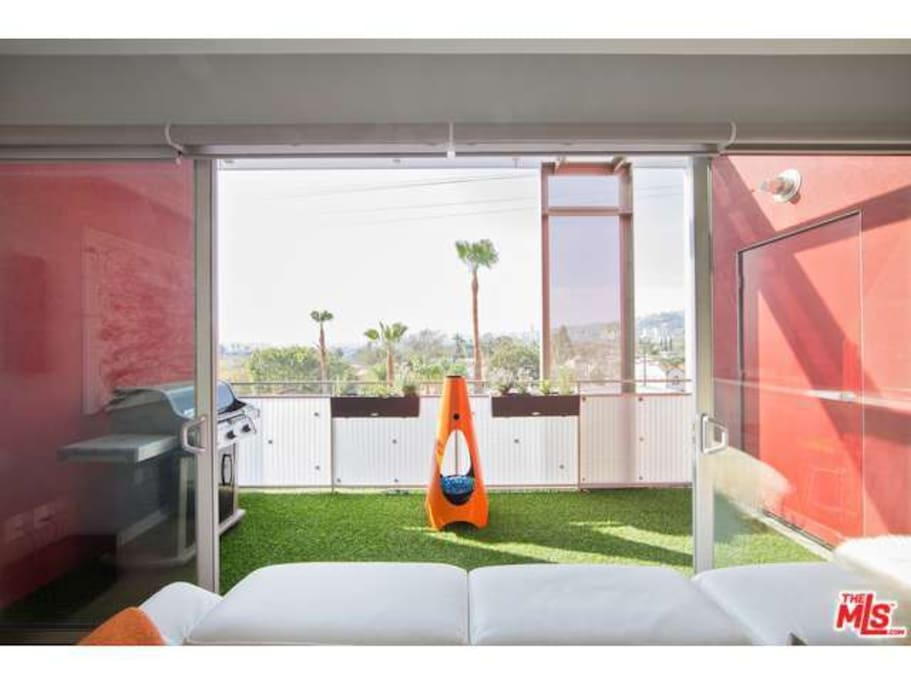 Unobstructed views of weho