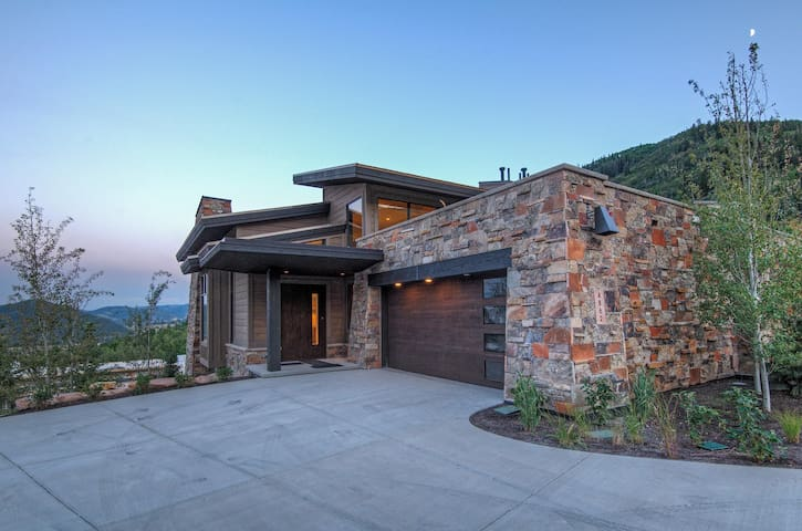 The Enclave at Sun Canyon, 5BR Spectacular Views