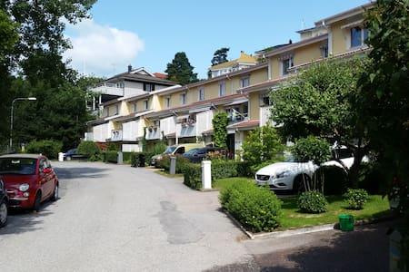 Radhus 150 m från Mälaren.  - Stockholm