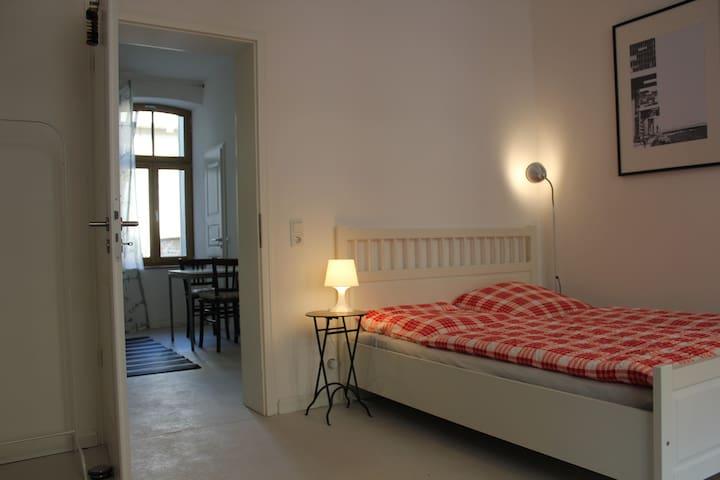 Französisches Apartment, messenah