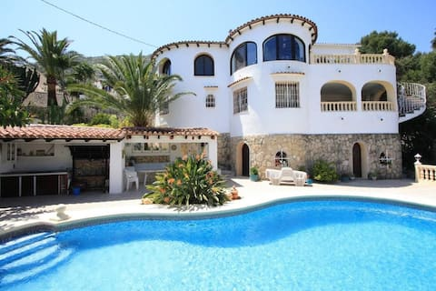 Apartment with private pool, for 2 people