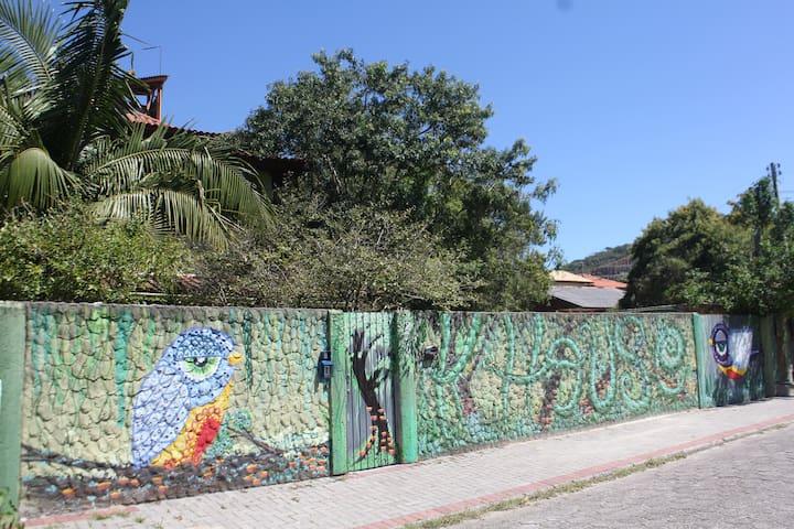 karaguas house aluguel suite individual mensal