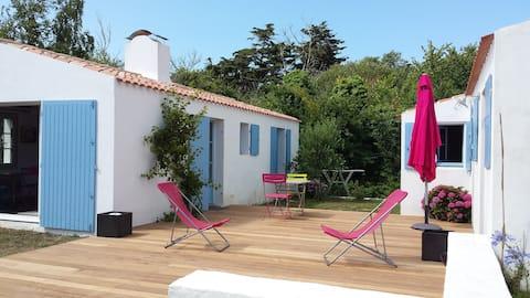 petite maison indépendante à 250m de la plage.