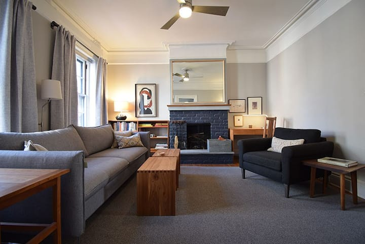 Elegant, Private,  Brooklyn Heights Townhouse Apt.