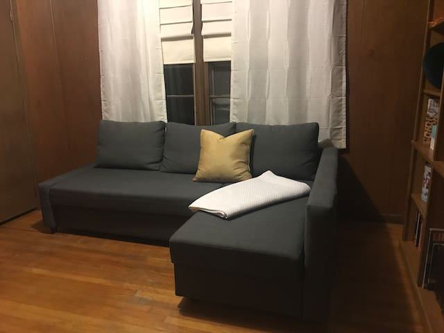 tiny third bedroom with tv (no cable)
