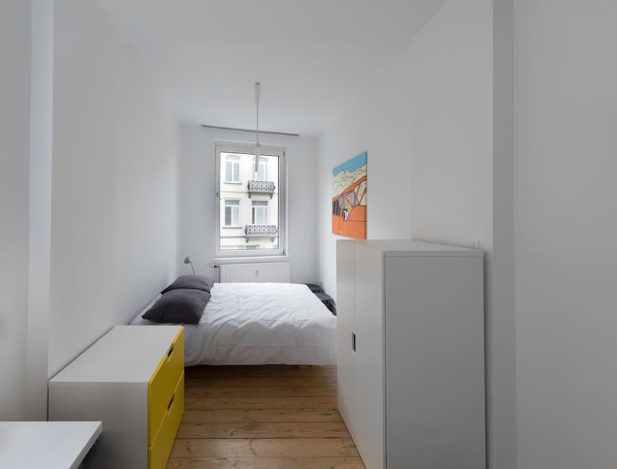chambre 2 sdb priv e maison de charme bruxelles maison d 39 h tes louer schaerbeek. Black Bedroom Furniture Sets. Home Design Ideas