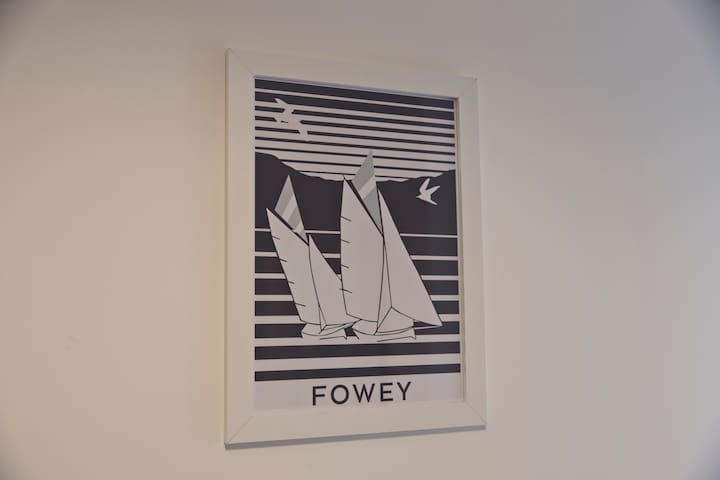 Fantastic apartment with own decked area in Fowey