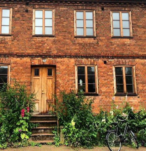 Stort charmigt hus i centrala Malmö - Malmø - Hus