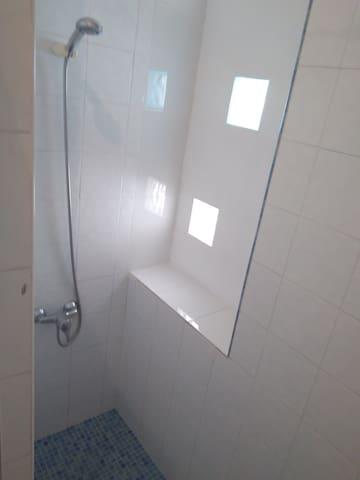 Habitaciones dobles con baño privado