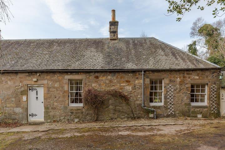 Gardeners Cottage - Sleeps 3