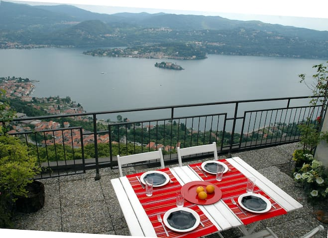 APPART CON TERRAZZA SUPERPANORAMICA - Madonna del Sasso - Apartment