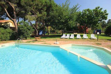 Villa con piscina privata a Colostrai - Muravera