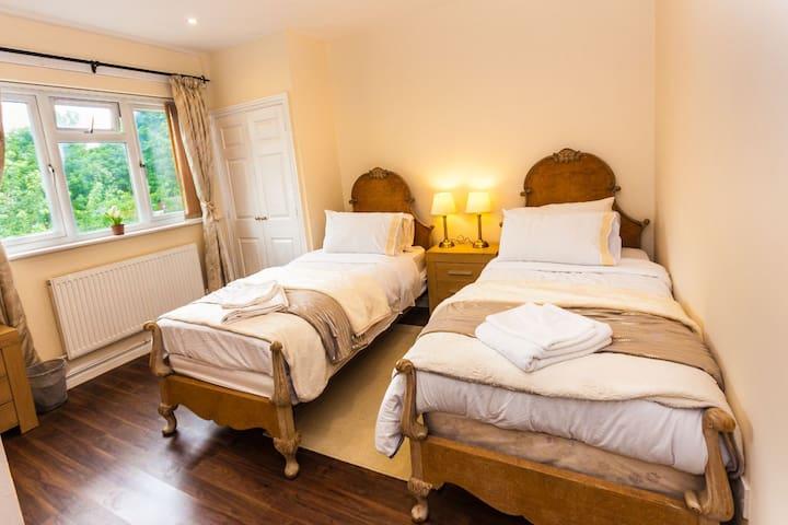 Oxford House B&B Room 4 (148)