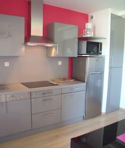 """Appartement """"Royan"""" 4 personnes - Saint-Simon-de-Bordes"""