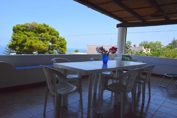 Malfa appartamento  vista mare. - Santa Marina Salina - Apartment