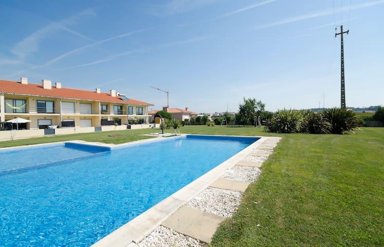 Porto-Airport swimming-pool+beach - มาโตซิโฮส - วิลล่า