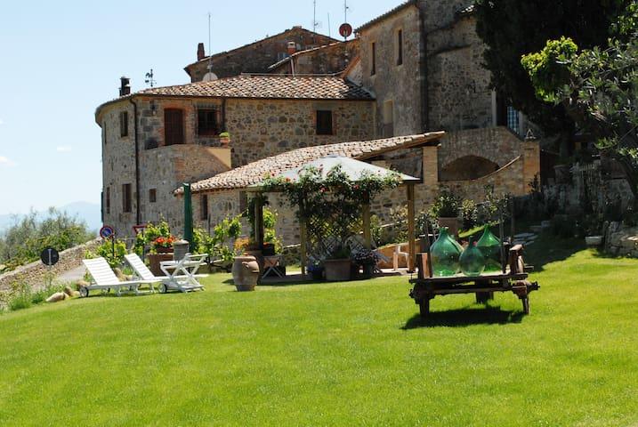 Borgo San Gusmè - Caratteristico appartamento