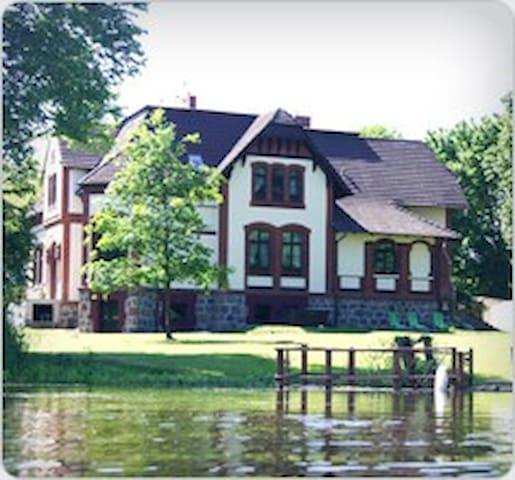 Gutshaus Villa Radekow - Mescherin