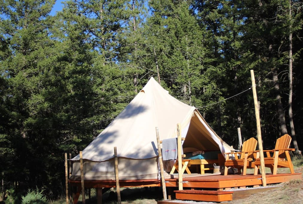 """Sky Ranch style glamping, """"Light and Easy,"""" plus picnic and kitchen area"""