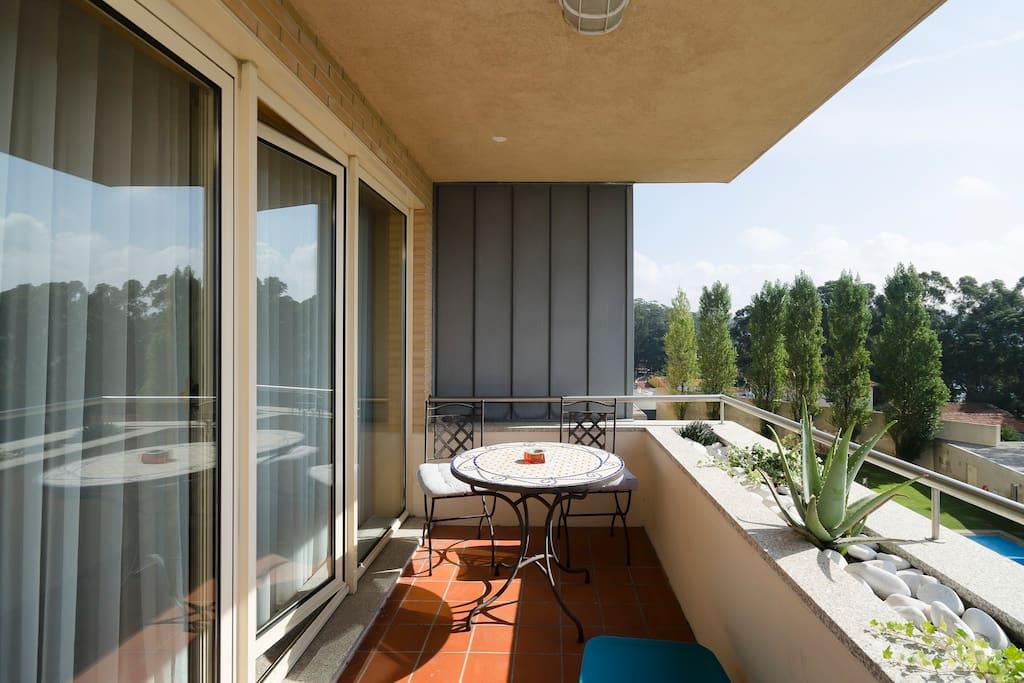 2 Suites Seaside apt W/WIFI & Pool