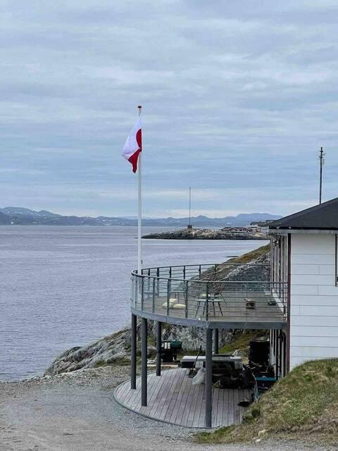 2 rums lejlighed få meter fra fjorden og bymidte