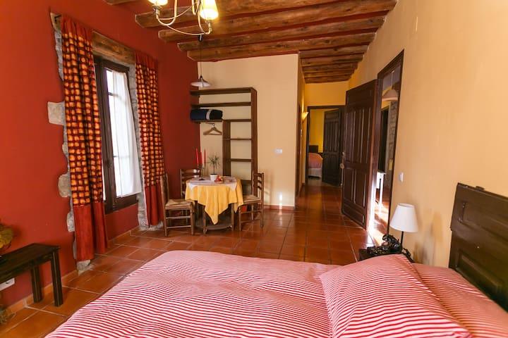 casa arana - apartamento familiar - Albella - Huis