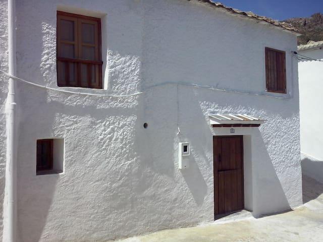 Casa con patio en Timar-Lobras. - Alpujarra Granadina