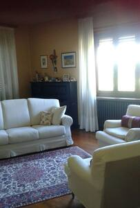 Camera con vista splendide Langhe. - Narzole - Wohnung