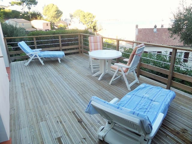 Sea views, beaches, internet. - Saint-Mandrier-sur-Mer - Appartement