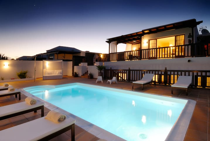 Top Private Heated Pool Free wifi - Playa Blanca - House
