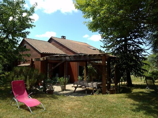 Maison en bois, Dordogne - La Chapelle- Gonaguet