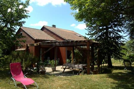 Maison en bois, Dordogne - La Chapelle- Gonaguet - Dům