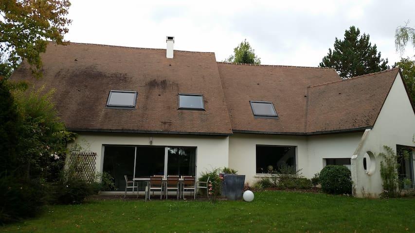 6 bdr 350m2 House in a 5000m2 parc - Saint-Nom-la-Bretèche - Huis