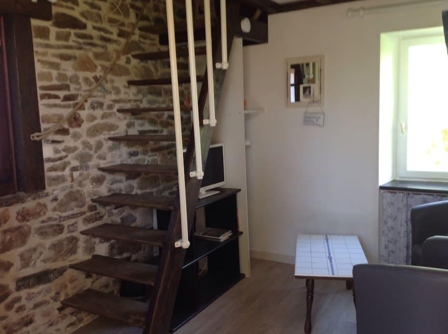 Escalier de meunier pour accès à la mezzanine