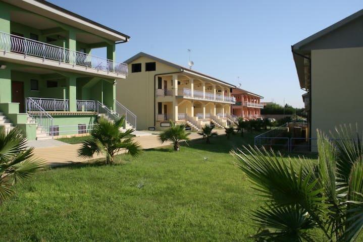 residence con piscina 200m dal mare (1) - borgia - Apartamento