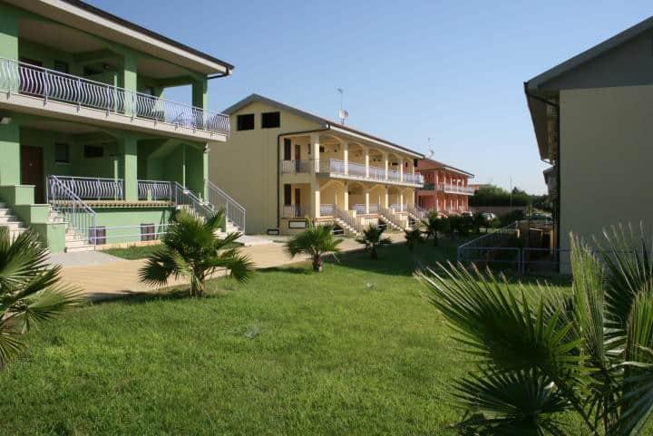 residence con piscina 300m dal mare (1)