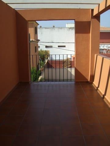 Habitación rústica - Algeciras - House