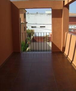 Habitación rústica - Algeciras - Hus