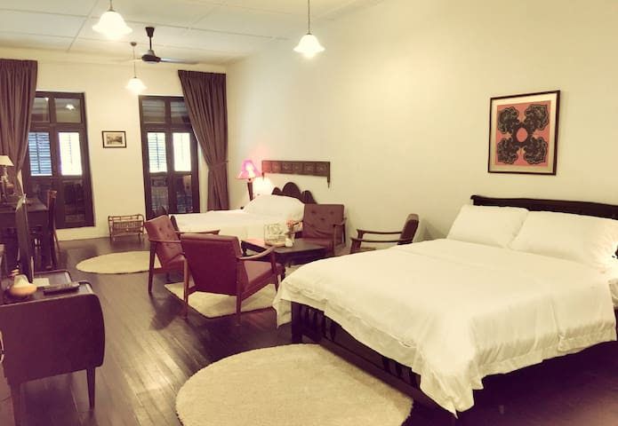 Family Suite with Bathroom - 5 mins to Jonker Walk - มะละกา - วิลล่า