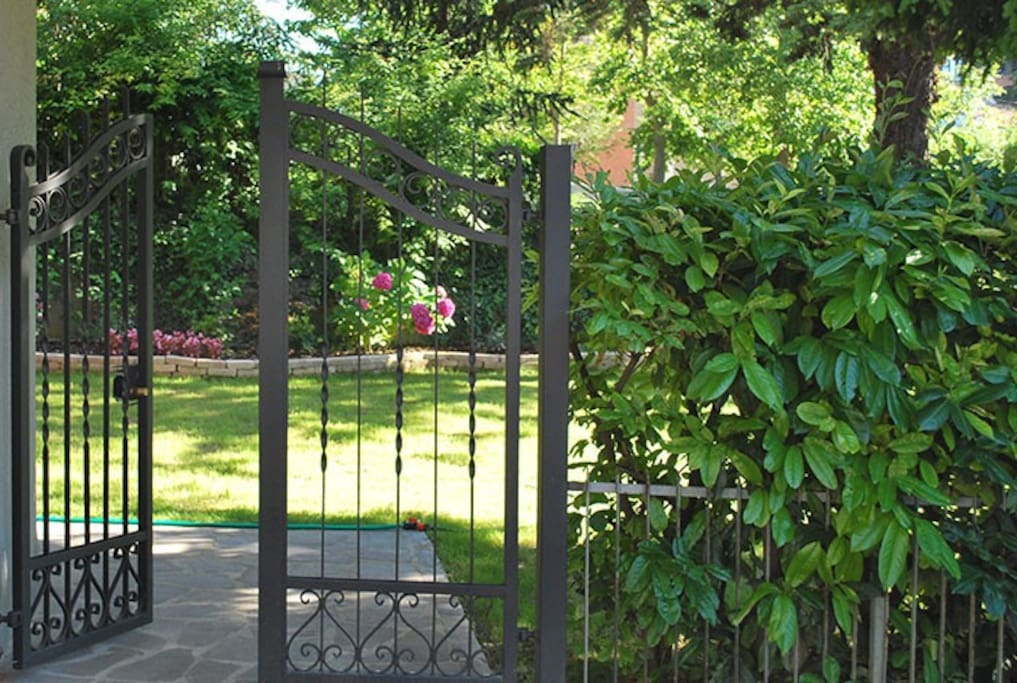 Cancello di ingresso a Villa Paradiso