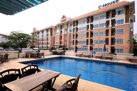 C-House Condo Amata City3 - Pluak Daeng - 公寓