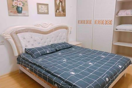 黄冈国贸两室两卫带客厅厨房整套精装公寓高楼层