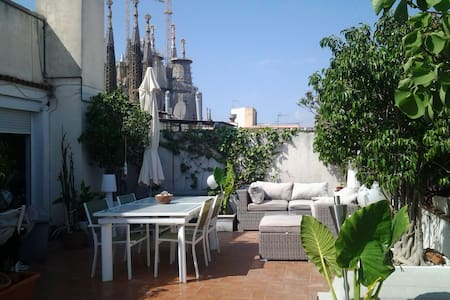 NICE PENTHOUSE IN SAGRADA FAMILIA
