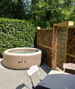 Studio cosy avec jacuzzi privatif